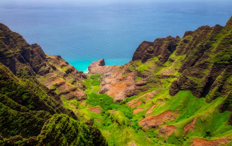 Antena krajobrazowy widok Na Pali linia brzegowa, Kauai, Hawaje obrazy stock