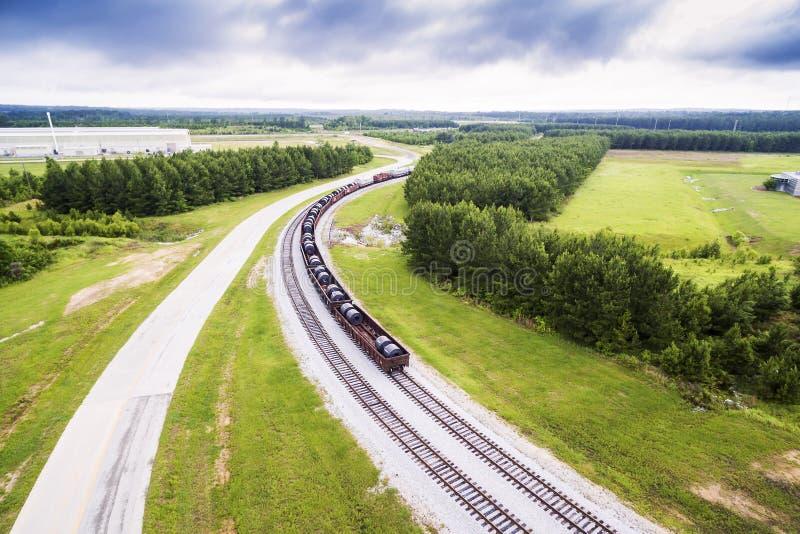Antena 2 - o aço bobina em carros de trilho em trilhas do trem em Alabama imagens de stock royalty free