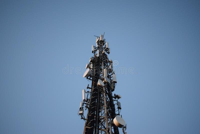 Antena para uma comunicação e a tevê imagem de stock royalty free
