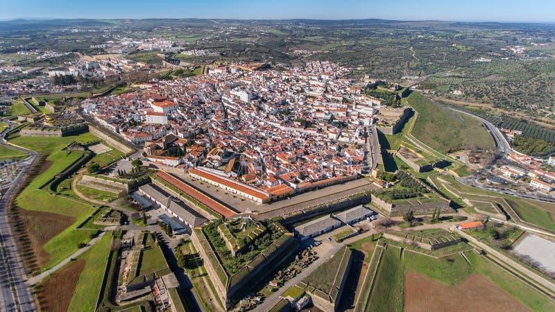 antena Portugalski stary miasteczko Elvas na granicie z Hiszpania strzelał od nieba fotografia stock
