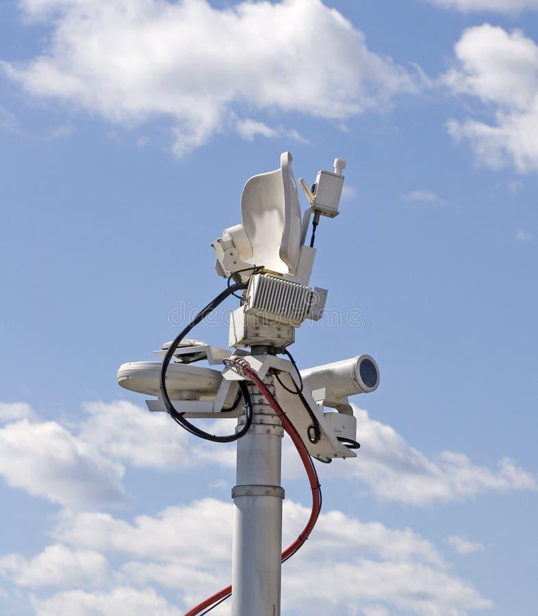 Antena remota da transmissão da televisão fotos de stock