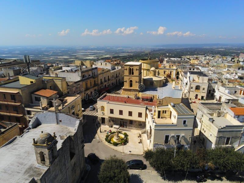 Antena strzał centrum miasteczko Mottola, blisko Taranto, w południe Włochy fotografia royalty free