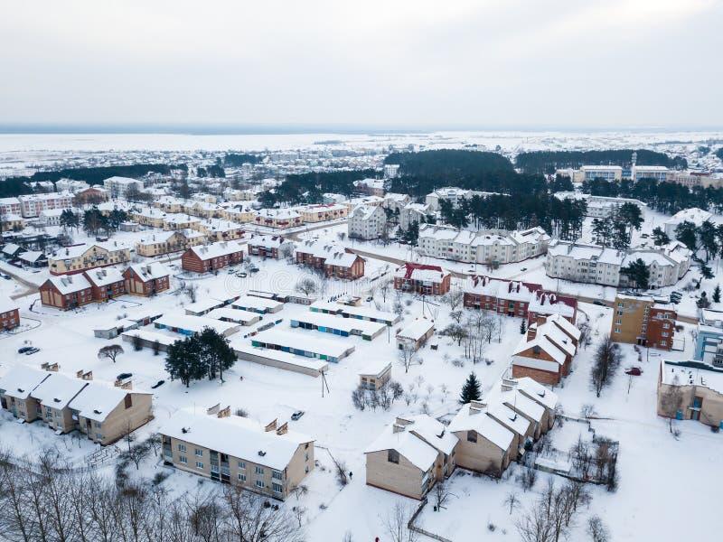 Antena strzelająca zimy miasteczko fotografia royalty free
