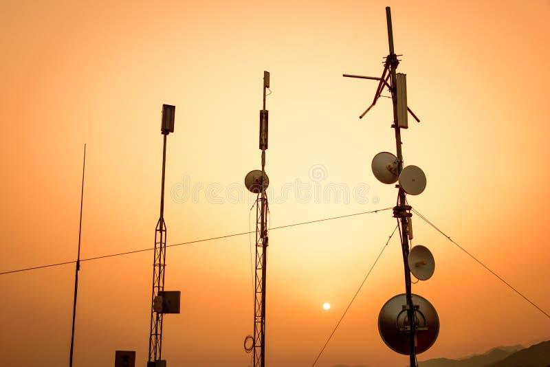 Antenas de la telecomunicación fotografía de archivo libre de regalías