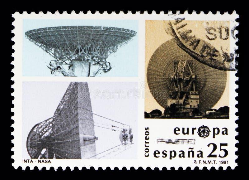 Antenas de satélite, EUROPA, Europa en el espacio, Europa (C e P T ) s ilustración del vector