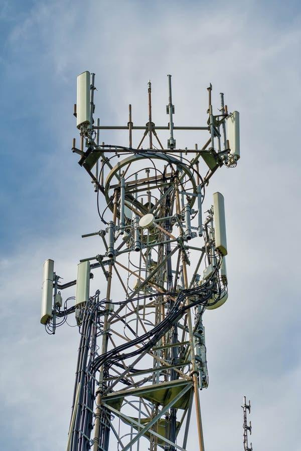 antenas de teléfono móvil direccionales fotos de archivo libres de regalías