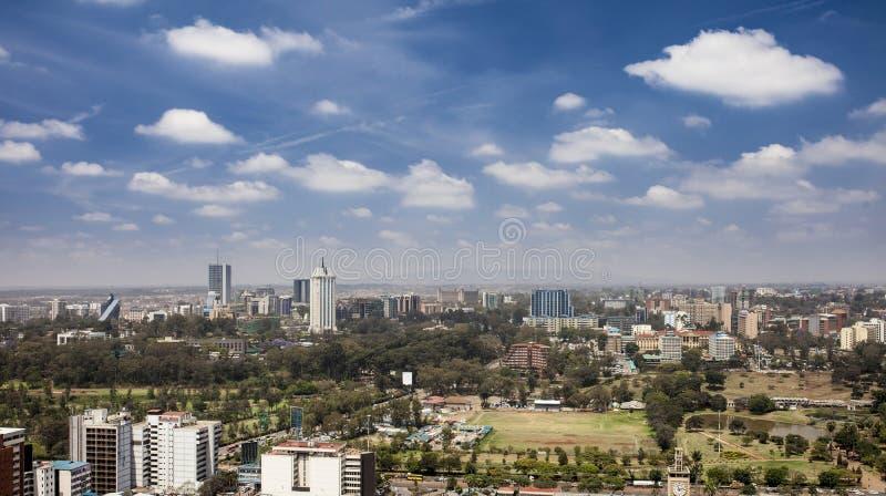 Antenn av i stadens centrum Nairobi, Kenya fotografering för bildbyråer