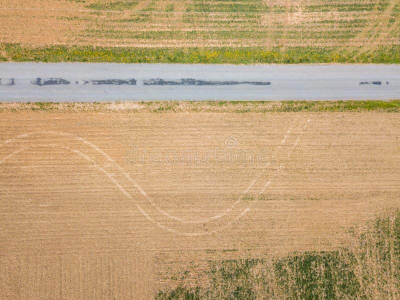 Antenn av lilla staden som omges av jordbruksmark i Shrewsbury, P arkivfoton