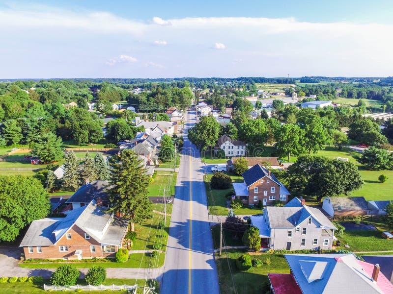 Antenn av Main Street område i Shrewsbury, Pennsylvania arkivfoton