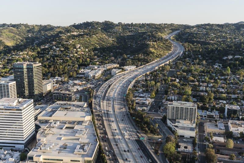 Antenn för eftermiddag för motorväg för Los Angeles Sepulveda passerande 405 royaltyfria foton