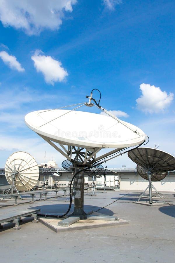 Antenn för satellit- disk arkivbilder