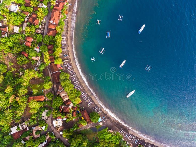 Antenn som skjutas av den Bali ön royaltyfria foton