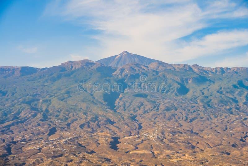 Antenna del paesaggio della montagna del vulcano - Pico del Teide, Tenerife, fotografie stock libere da diritti