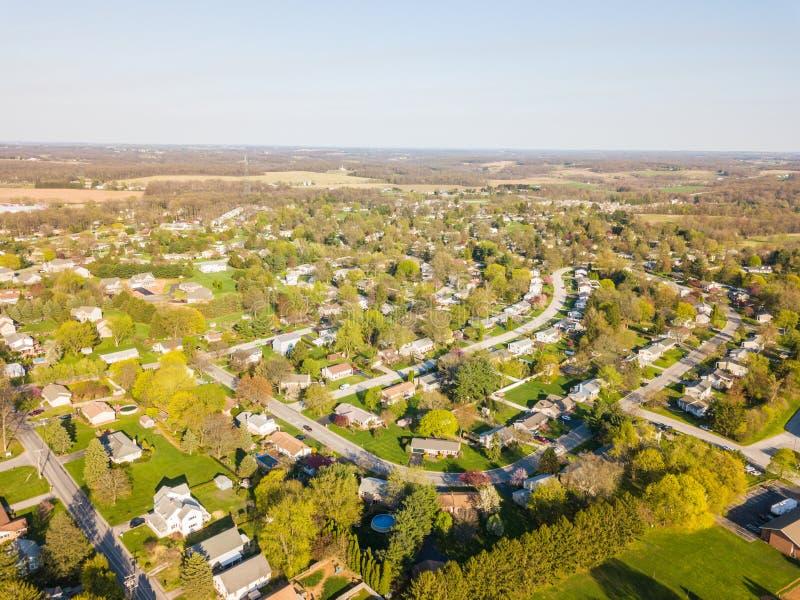 Antenna della cittadina circondata da terreno coltivabile in Shrewsbury, P fotografia stock libera da diritti