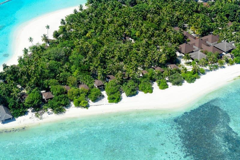 Antenna della località di soggiorno del Palm Beach, isola delle Maldive fotografie stock libere da diritti