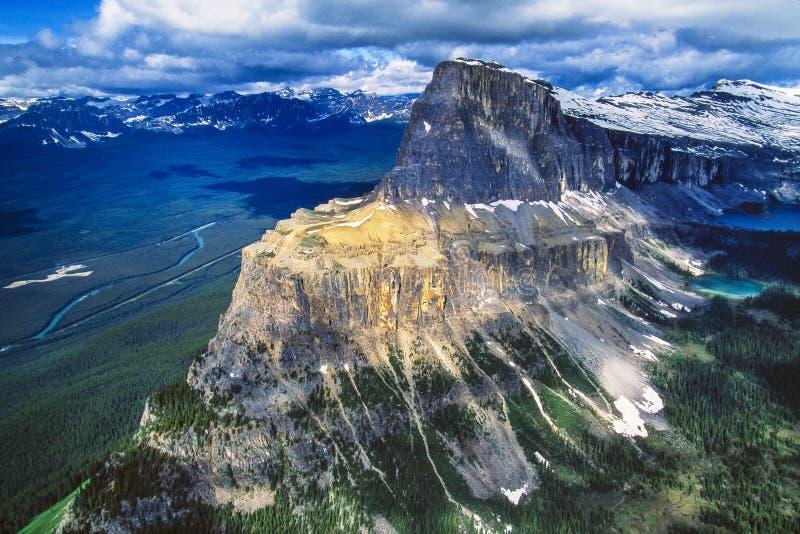 Antenna della montagna del castello, Alberta, Canada fotografia stock libera da diritti