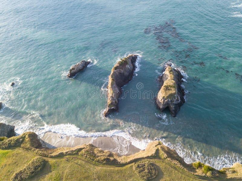 Antenne de littoral rocailleux de Mendocino en Californie photo stock