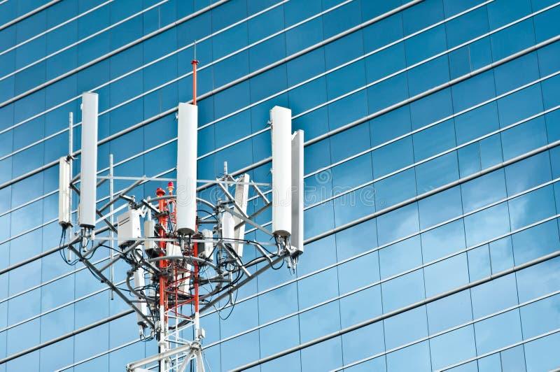 Antenne de mât de téléphone portable image libre de droits