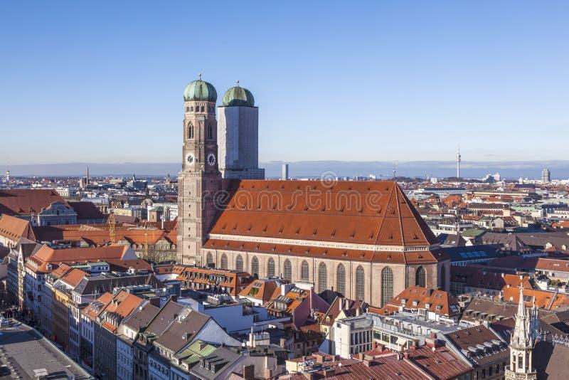 Antenne de Munich avec la cathédrale de notre chère Madame images libres de droits