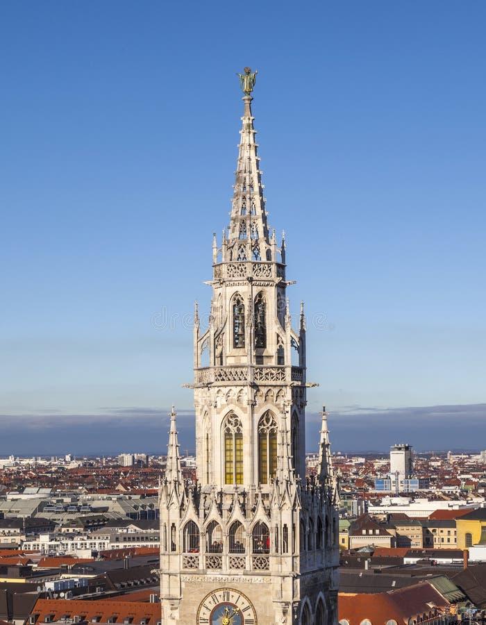 Antenne de Munich avec la tour du nouvel hôtel de ville photos libres de droits