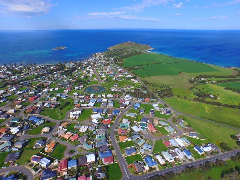 Antenne der Treffen-Bucht u. der Granit-Insel bei Victor Harbor lizenzfreie stockfotos