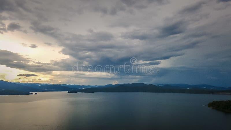 Antenne des montagnes du sud de Carolina Lake Jocassee Gorges Upstate photographie stock libre de droits
