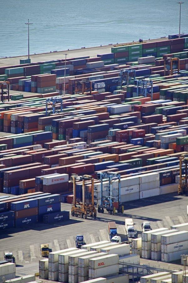 Antenne des récipients d'expédition au port de Barcelone photographie stock libre de droits