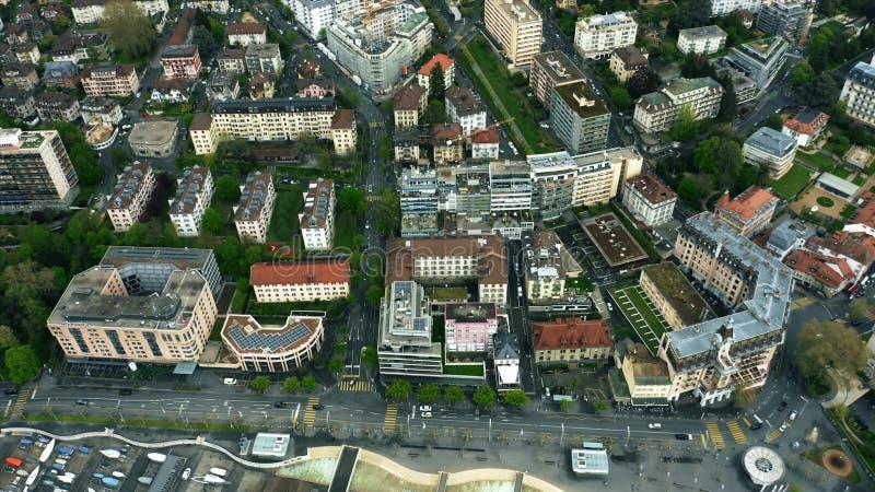 Antenne die van het centrum van Lausanne, Zwitserland wordt geschoten stock foto's