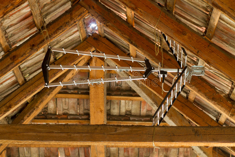 Antenne im Dachboden lizenzfreies stockfoto