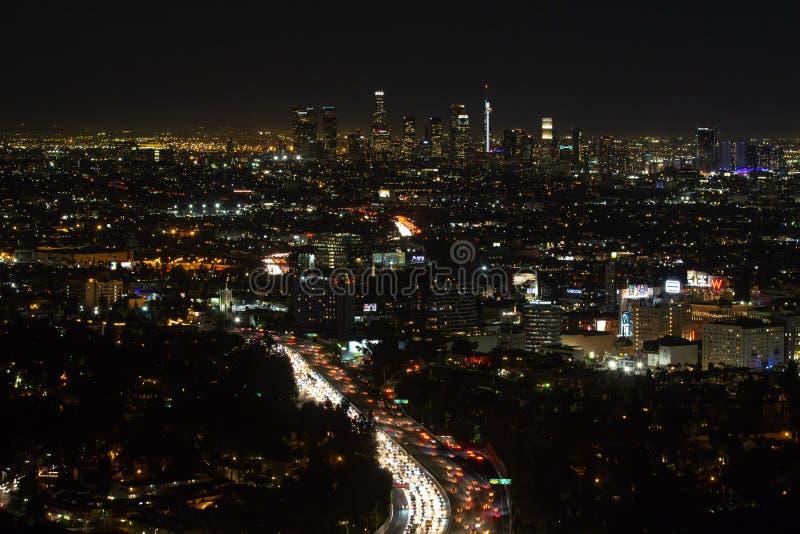 Antenne, nachtmening van Los Angeles van de binnenstad in Californië royalty-vrije stock afbeelding