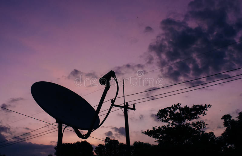 Antenne parabolique image libre de droits