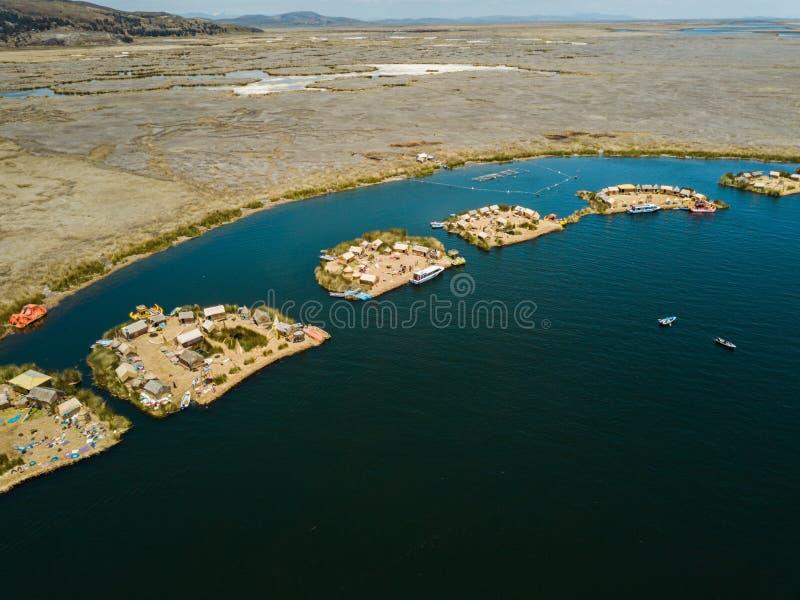 Antenne van drijvende eilanden royalty-vrije stock fotografie