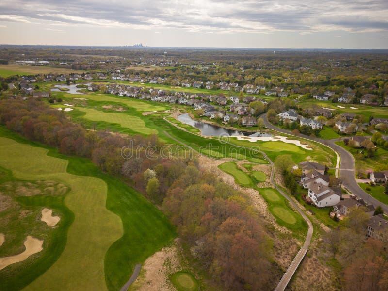 Antenne van Golfcursus met Philadelphia in de Achtergrond royalty-vrije stock fotografie