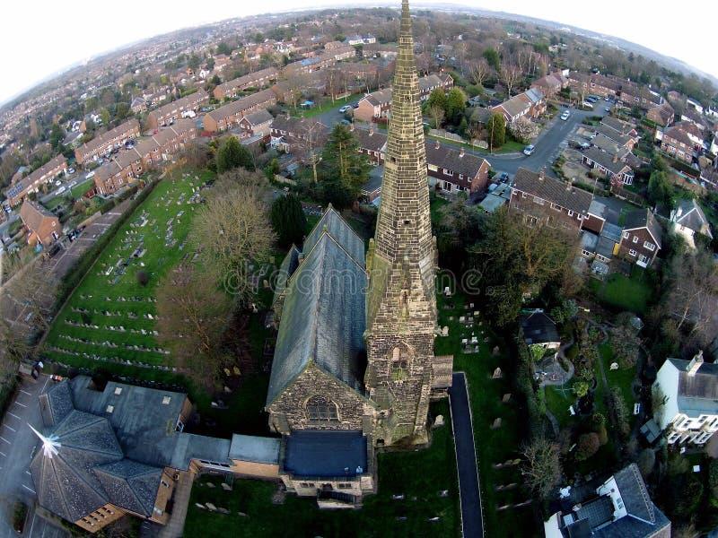 Antenne van Kerk wordt geschoten die royalty-vrije stock afbeelding