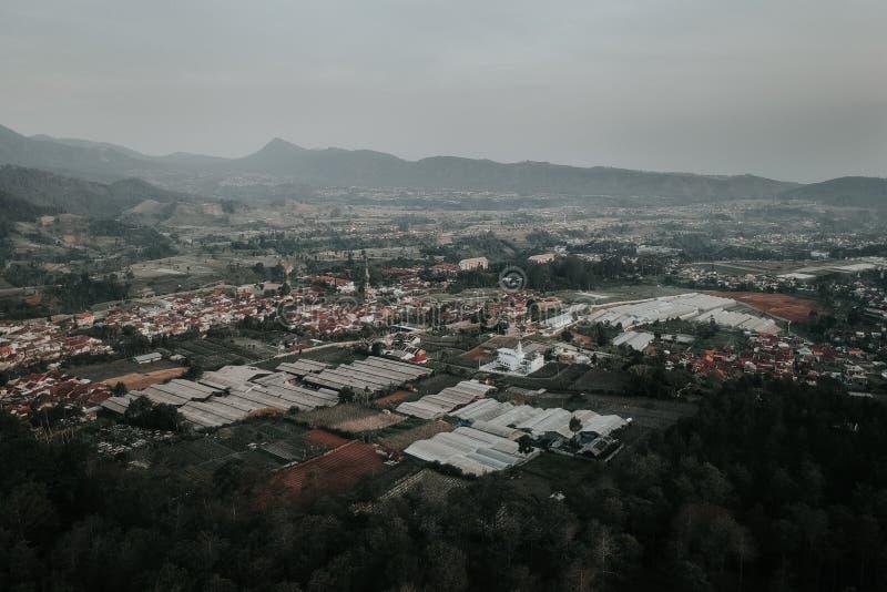 Antenne van Lembang, het Noorden Bandung, West-Java stock foto