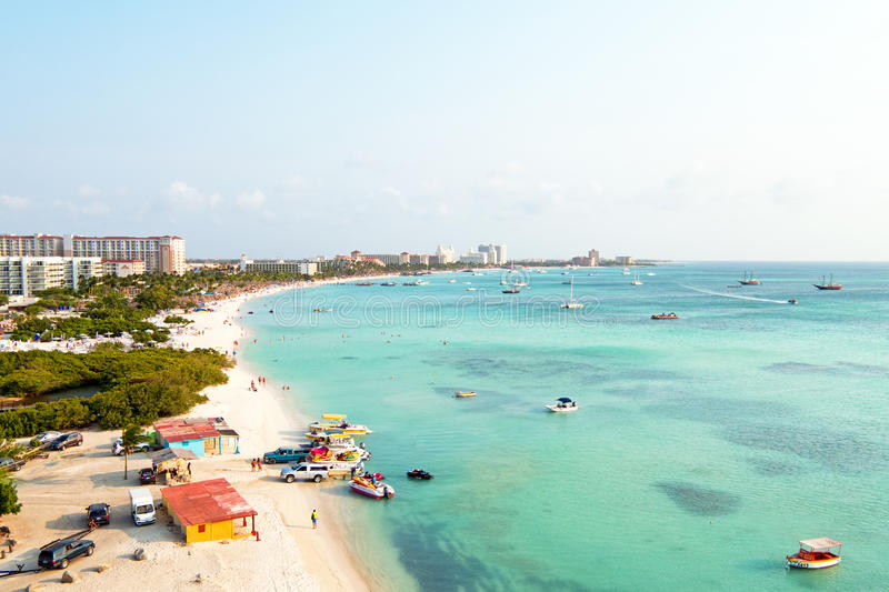 Antenne van Palm Beach in Aruba royalty-vrije stock afbeeldingen