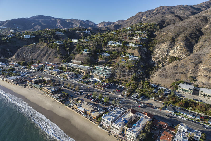 Antenne van Vreedzame Kustweg in Malibu Californië stock foto