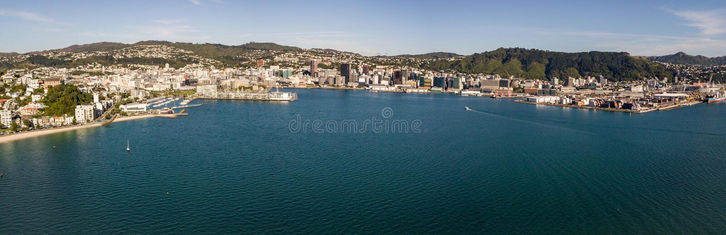 Antenne, Wellington New Zealand Harbor Panorama stock fotografie