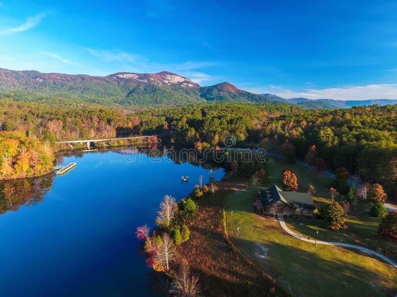 Antennen av tabellen vaggar delstatsparken nära Greenville, South Carolina, arkivfoto