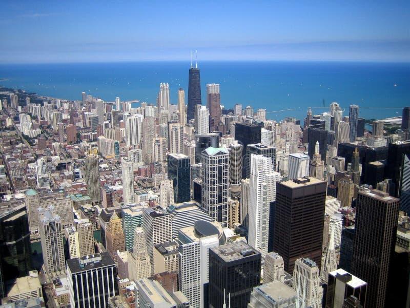 Antennen beskådar av skyskrapor i stad av Chicago, Illinois, USA arkivbild