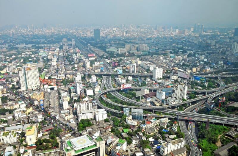 Antennen landskap beskådar över den Bangkok staden, Thailand. royaltyfri fotografi