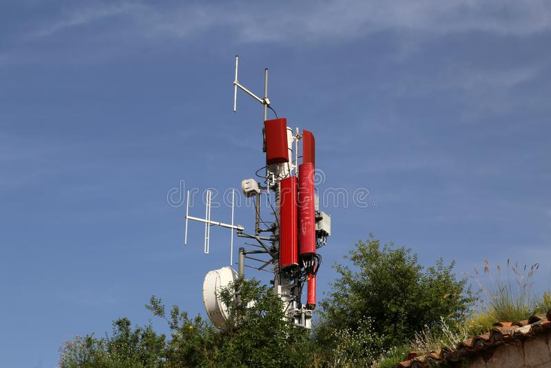Antennensysteme für Telekommunikation stockfotos
