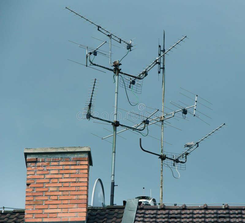 Antennes du monde Ciel bleu et antenne image libre de droits