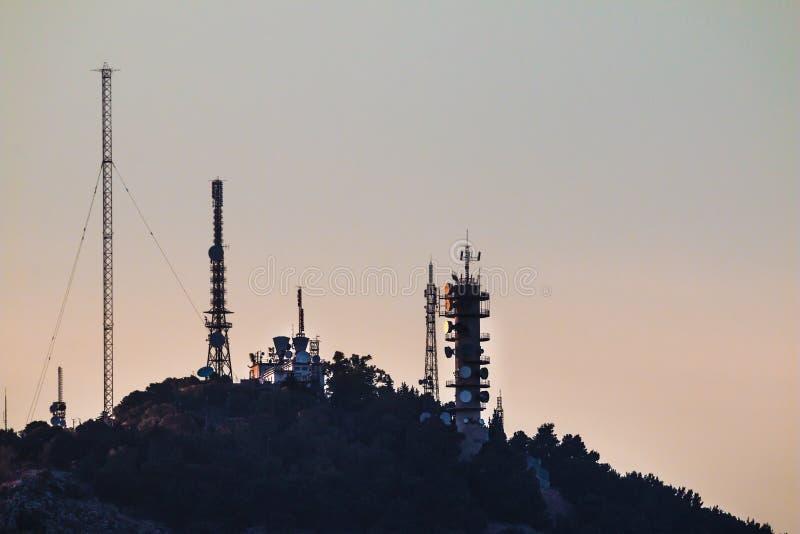 Antennes sur le coucher du soleil photos libres de droits