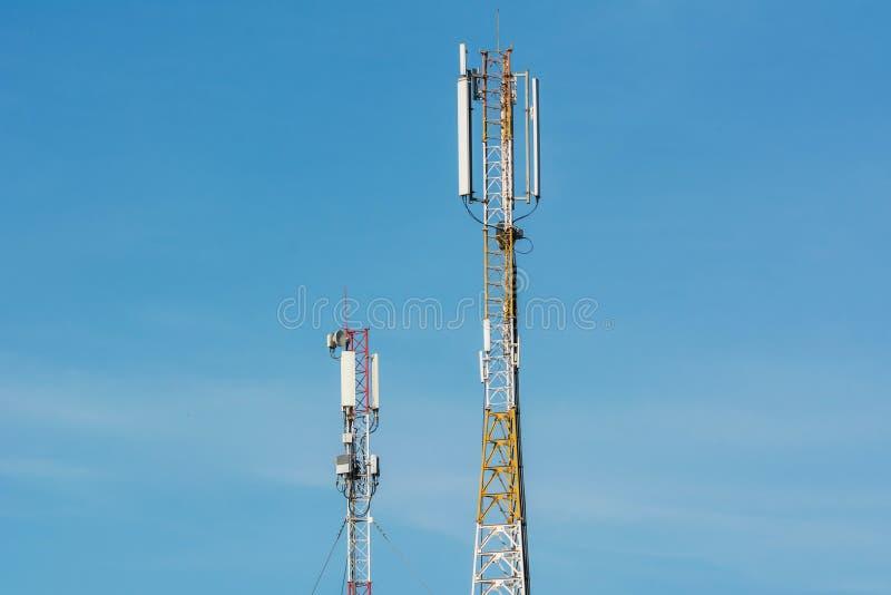 Antennes voor mededeling van celtelefoons stock afbeeldingen