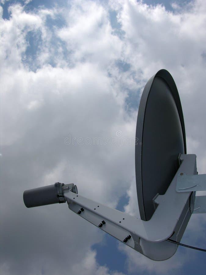antennmaträttsatellit arkivfoton