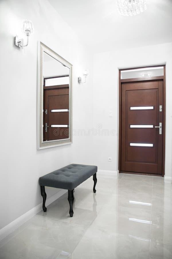 Anteroom в исключительном доме стоковые фотографии rf