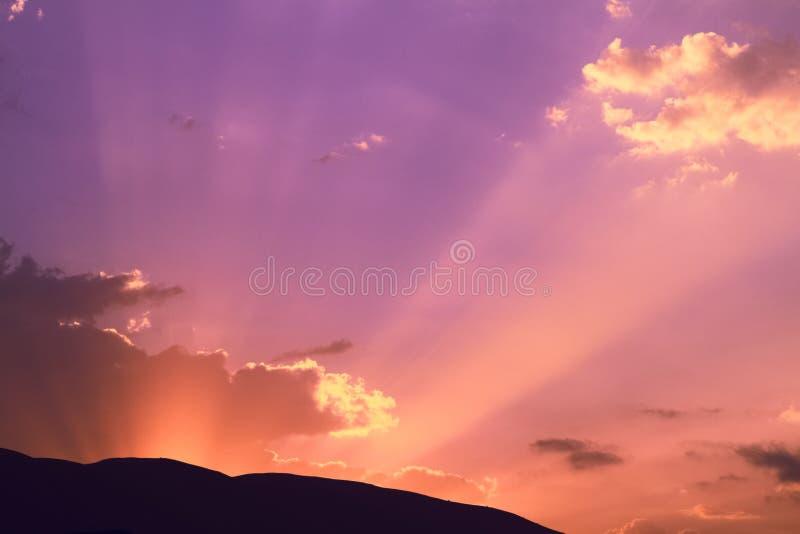 Antes de rayos del sol de la salida del sol imagen de archivo libre de regalías