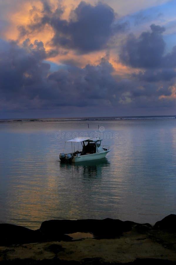 Antes do desengate de pesca da luz do dia fotografia de stock