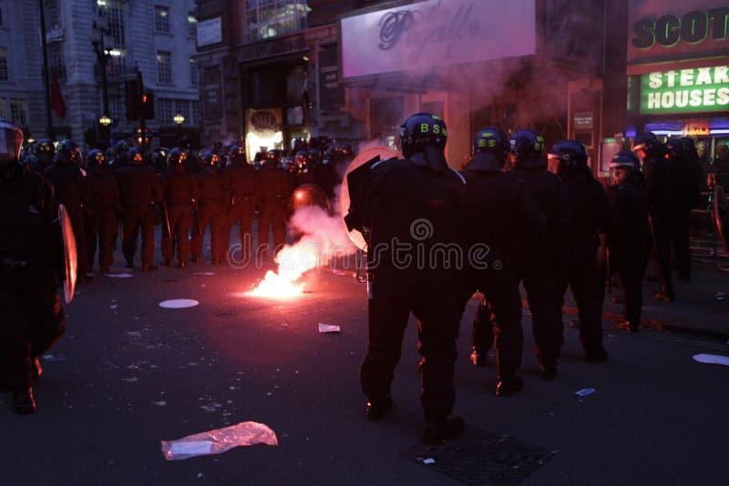 Anti-BESNOEIINGEN Protest IN LONDEN stock afbeelding